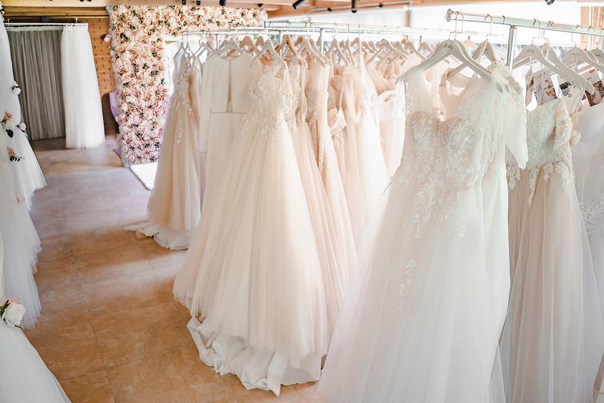 elody šaty showroom